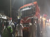 Truk Tabrak 6 Kendaraan, Korbannya Dibawa ke Rumah Sakit