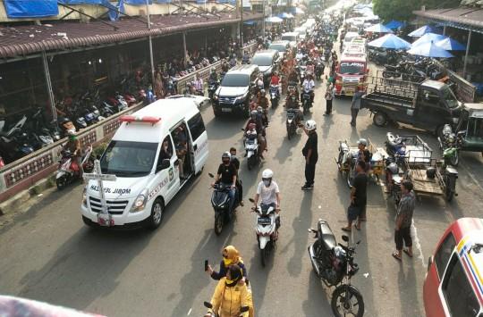 Jenazah Asner Silalahi Dibawa ke Kantor Wali Kota Siantar
