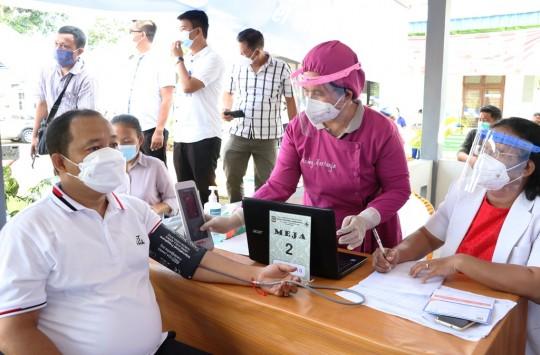 Kurang Sehat, Wali Kota Siantar Gagal Disuntik Vaksin Covid-19