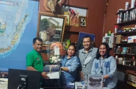 Ultah ke 56, Pemilik Bengkel Zul Keluarga Jaya Dapat Kado dari Pimpinan Bank